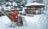 4744-Gazebo and Christmas Presents on Snow